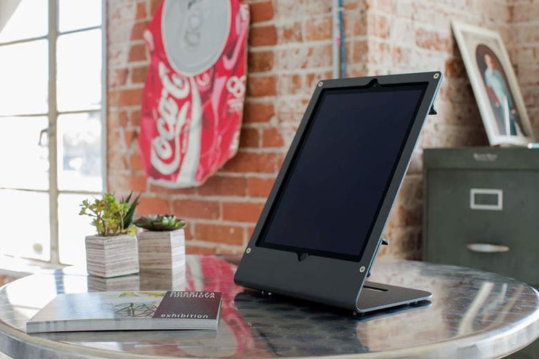 r iPad Air & iPad Pro on desk 5